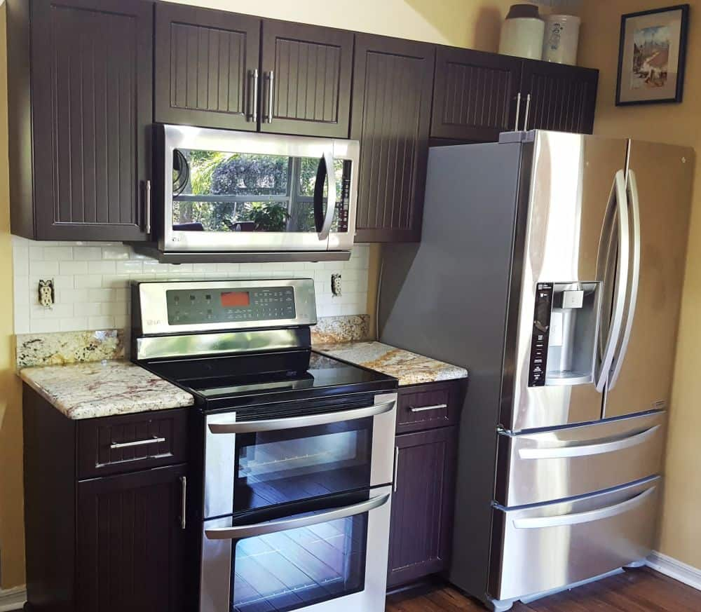 Kitchen cabinet and countertop renovated